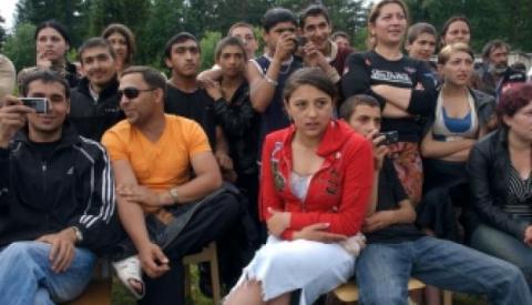 Запад формирует из цыган народ-НПО
