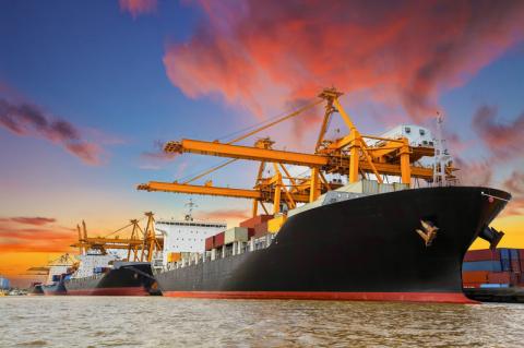 Сила и мощь: 20 захватывающих фотографий из портов мира