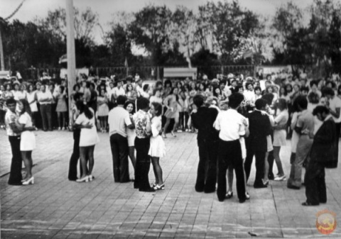 Место встречи - танцплощадка