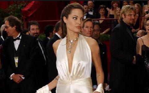 Анджелина Джоли устала страд…