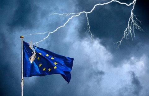 «Начинает падать Европа, а Р…