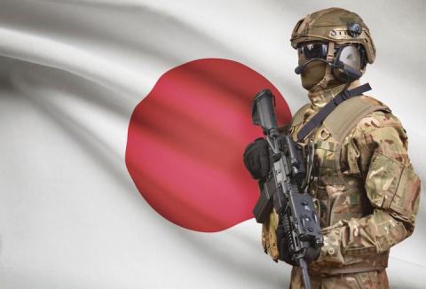 Япония вооружается: США дове…