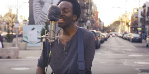 Видео дня: негр исполняет пе…