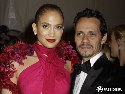 Бывший муж Дженнифер Лопес закрутил роман с 21-летней моделью