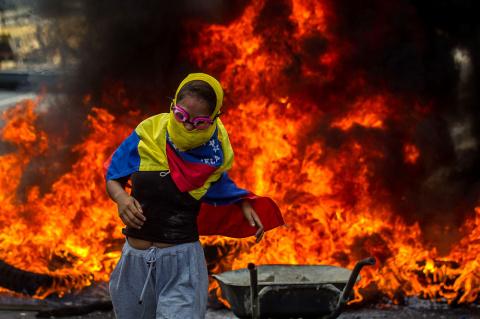В Венесуэле разгорается граж…