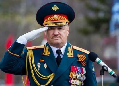 Российский генерал и два пол…