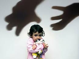 Как защитить ребенка от педофилов