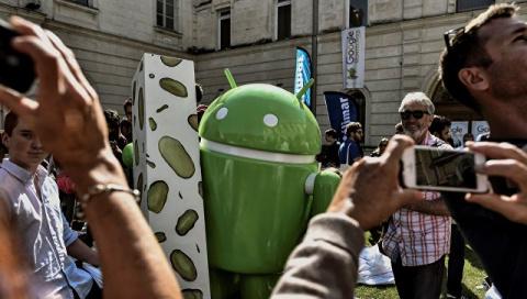 """Поедатель """"яблок"""": как убыточный Android стал лидером мобильного рынка"""