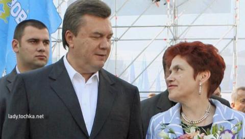 Янукович развелся с женой по…
