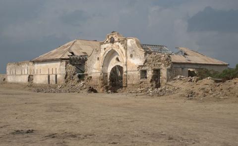 Невероятные руины заброшенны…