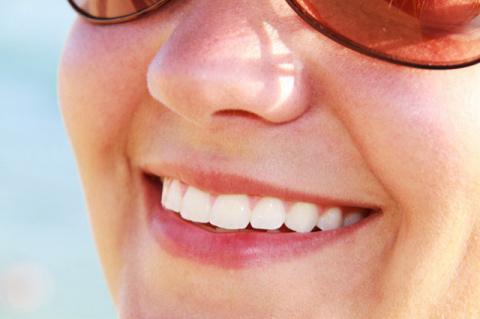 Как отбелить зубы с помощью куркумы