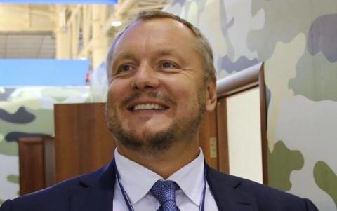 Нардепу-автору идеи сдать Крым в аренду России запретили выезд из Украины