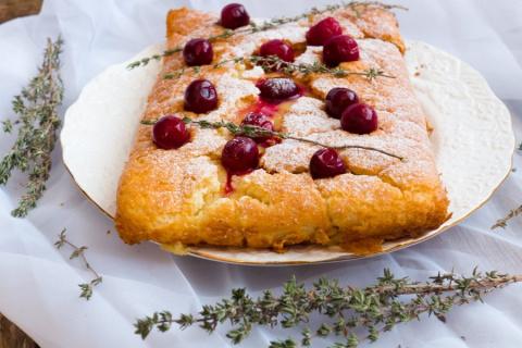 Пирог с нежным заварным кремом