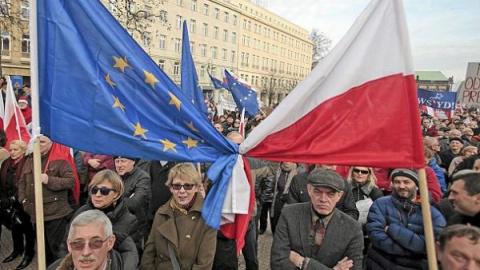 С мечтами об Украине, поляки остались у разбитого корыта