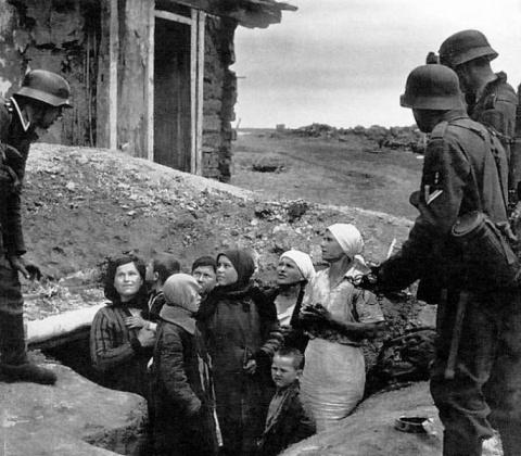 1. Как немцы-изуверы насиловали русских женщин. 2. Судьбы детей, рожденных от фашистов
