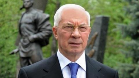 Азаров: Порошенко не смог до…
