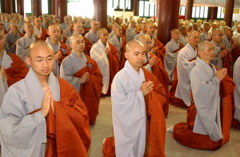 Британскую секту буддистов о…