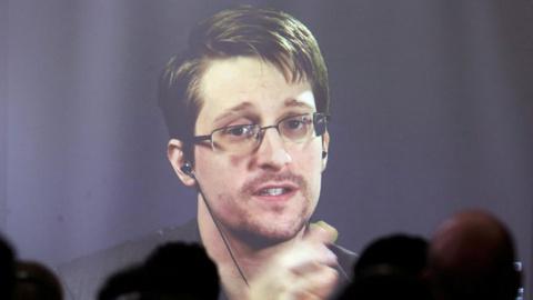 Сноуден прокомментировал соо…
