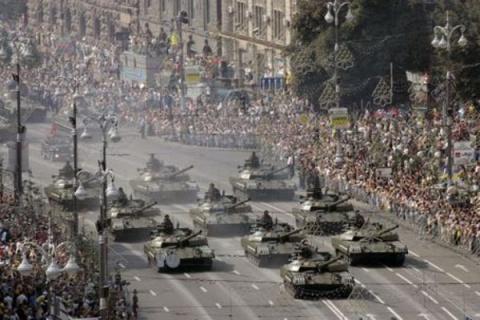 30% участников парада в Киеве сбежали по дороге на фронт.