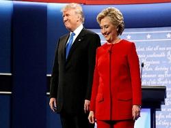 Клинтон и Трамп поспорили о …