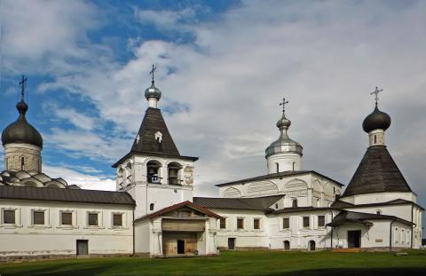 Приглашаю на прогулку в Ферапонтовский монастырь.