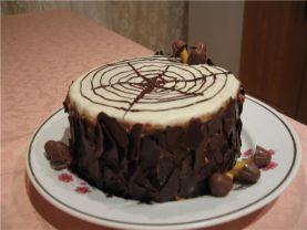 Торт бисквитный с молочно-ро…