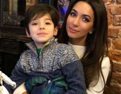 Певица Зара рассказала о жизни маленького сына погибшей Стеллы Барановской