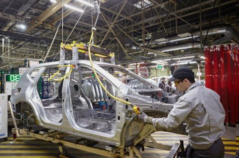 Как собирают автомобили на заводе Nissan в Петербурге