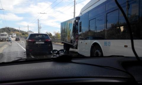 В Крыму грузовик протаранил …