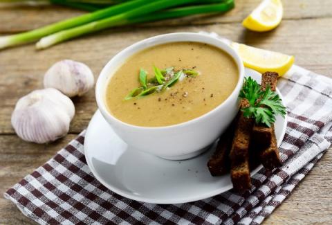 Чесночный суп-пюре с имбирём от простуды