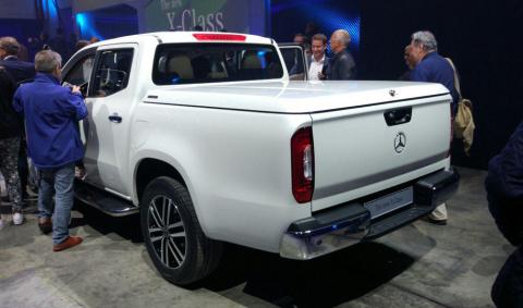 Первый пикап Mercedes-Benz: …