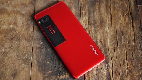 "Обзор смартфона Meizu Pro 7: два ""глаза"", два экрана"