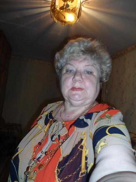 Нина Ушакова