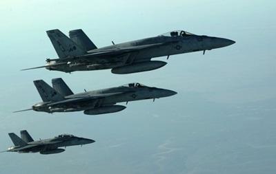В результате удара ВВС США п…