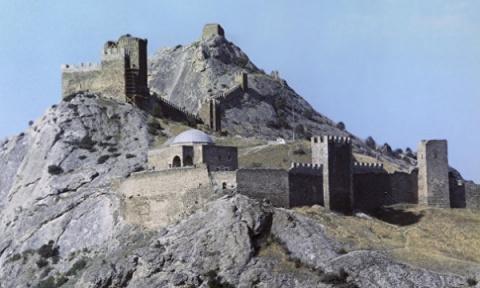 Генуэзская крепость в Судаке…