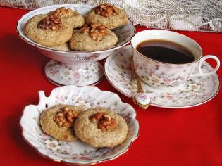 Кофейные пирожные из грецких орехов