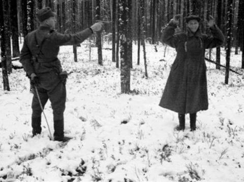 Советский разведчик смеется …