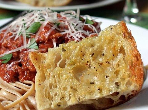 Сочные итальянские гренки. Просто и очень вкусно