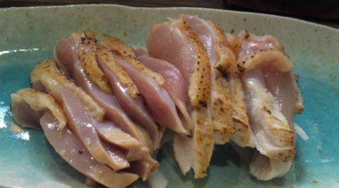 Сюр дня: девушка призналась, что ест сырую курицу
