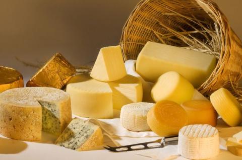 Можно ли есть сыр, на которо…
