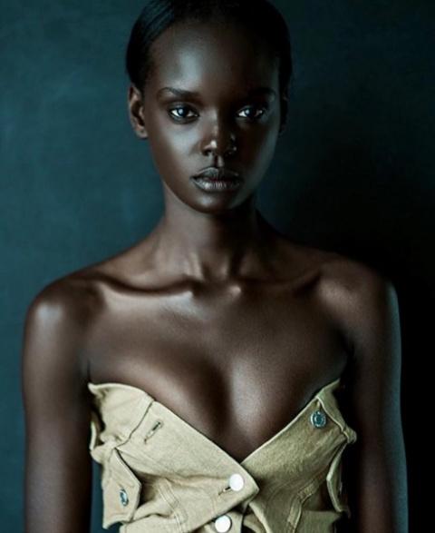 Темнокожая Барби из изгоя пр…