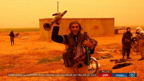 Окруженные террористы ИГИЛ п…