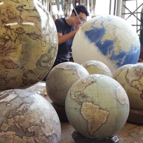 Процесс производства глобусо…