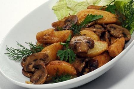 Картошка с грибами - сытный …
