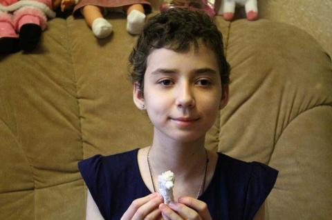 Эта юная девочка из Нижнего Новгорода однажды проснулась слепой