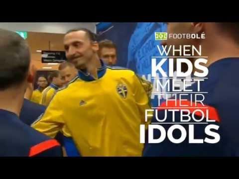 Реакция детей на встречу со своими футбольными кумирами