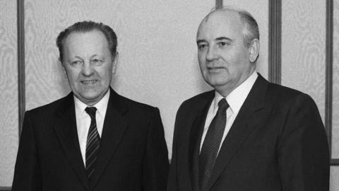 «Перестройка Горбачева была непродуманной». Генсек Компартии Чехословакии рассказал о перестройке и «бархатной революции»