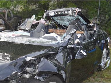 Ошибки автопилота Tesla привела к смертельной аврии