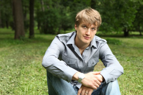 Актер Анатолий Руденко похвастался красавицей-женой