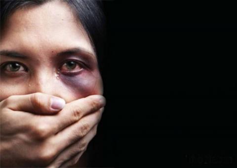 Признание немки: Мигранты насиловали меня по кругу, муж истошно орал...